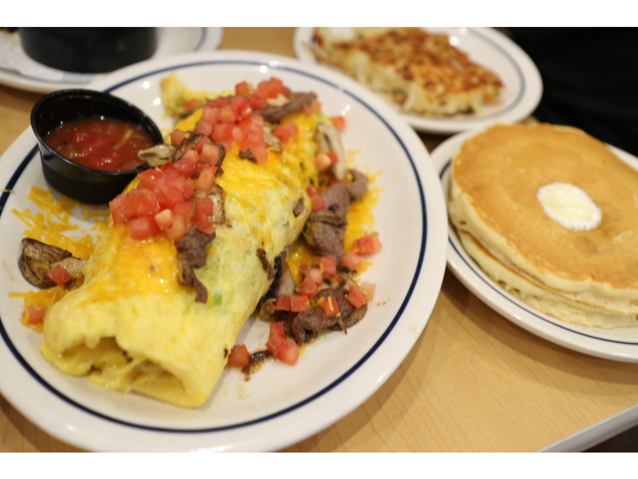 1000 images about ihop restaurant board on pinterest - Chow chow restaurante ...